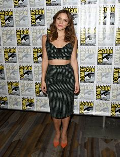 Pin for Later: This Year's Comic-Con Red Carpet Was Sexier Than Ever Before Katharine McPhee The actress played up her printed body-hugging set with orange pointed-toe pumps.