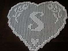 ideas for crochet heart doily pattern etsy Filet Crochet, Crochet Patterns Filet, Crochet Flower Patterns, Crochet Mandala, Crochet Diagram, Crochet Chart, Crochet Doilies, Crochet Flowers, Crochet Lace