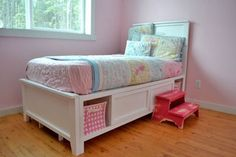Hailey Storage Bed - Twin http://ana-white.com/2011/04/plans/hailey-storage-bed-twin