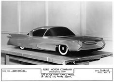 Tremulis' Ford Taj Mahal concept car provides a comparison to the standard 1955 sedan with a more streamlined and significantly lower body shell  for a passenger car.