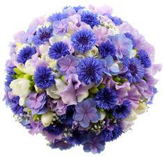 Pyöreä morsiuskimppu. Floral Wreath, Wreaths, Home Decor, Decoration Home, Room Decor, Bouquet, Flower Band, Interior Decorating, Floral Arrangements