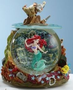 Disney Snowglobes Collectors Guide: Little Mermaid Snowglobe