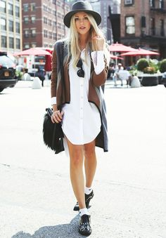 White shirt dress coupled with brogues. // #StreetStyle #Casual