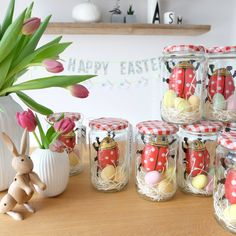 18 Impressive table decorations make ideas for an unforgettable party - Easter Eggs Day Easter Presents, Easter Table Decorations, Diy Ostern, Bottles And Jars, Easter Party, Best Gifts, Nice Gifts, Easter Crafts, Happy Easter