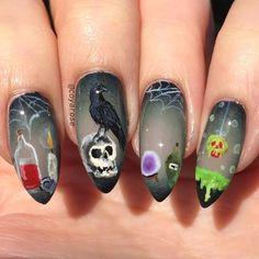 Witch potion snow-white raven skull halloween nails nail art