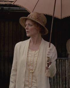 Downton Abbey Fashion: Lady Rosamund