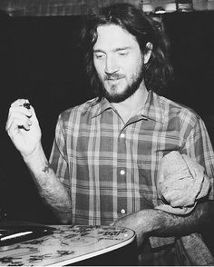 "73 Me gusta, 1 comentarios - Princess Laia  (@redhotheathledger) en Instagram: ""My love  #johnfrusciante #redhotchilipeppers #rhcp #anthonykiedis #flea #chadsmith #joshklinghoffer…"""