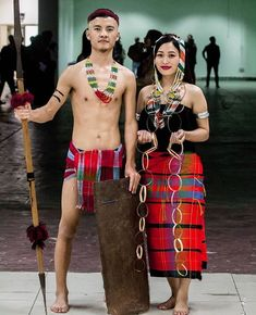 Tangkhul tribe from Manipur in traditional attires. #tangkhul  #tangkhul_naga #tangkhul_naga_tribe #tangkhul_traditional_dress #tangkhul_dress #tangkhul_culture #tangkhul_attire Gypsy Style, Boho Gypsy, Naga People, Arunachal Pradesh, Beauty Around The World, Gypsy Fashion, India Art, Ethnic Dress, Event Ideas