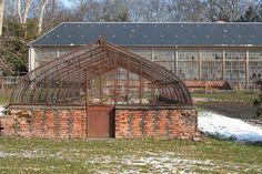Jardins d'utilité | Domaine Royal de Randan Clermont Ferrand, Chapelle, Greenhouses, Deco, Garden, Green Houses, Glass House, Decor, Deko