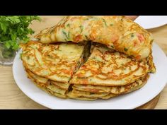 De ce nu știam această rețetă rapidă de clătite înainte? mâncare sănătoasă și ieftină # 12 - YouTube Quick Pancake Recipe, Cheap Meals, Cheap Food, Cooking Recipes, Healthy Recipes, Pancakes And Waffles, Vegetable Salad, Crepes, I Foods