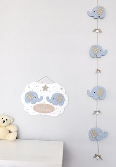 Cadre déco éléphants bleus en bois et guirlande pour chambre de bébé : Autres bébé par ideecreation