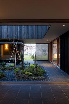 Courtyard House in Peach Garden / Takeru Shoji Architects | ArchDaily