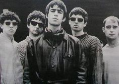 Whatever – Oasis Oasis Band, Liam Gallagher Oasis, Noel Gallagher, Music Icon, Her Music, Liam And Noel, Look Back In Anger, Vance Joy, Black And White Photo Wall