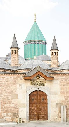 Turkish Architecture, Turkey Country, Kirchen, Entry Doors, Nice View, Barcelona Cathedral, Asia, Mansions, House Styles