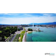 Only a few days left until spring is coming🌸🌺 Enjoy this sunny view over the Jet d'eau in Geneva! Day Left, Spring Is Coming, Geneva, Sunnies, Jet, Tours, World, Amazing, Outdoor Decor