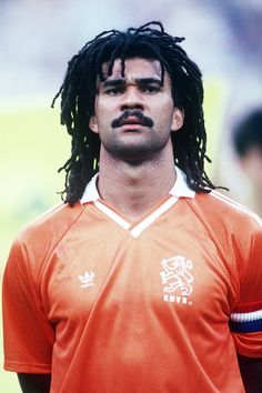 Top Soccer, Soccer Stars, Football Soccer, Football Stickers, Football Cards, Ruud Gullit, Most Popular Sports, Sports Photos, American Football