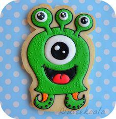 Dulcekoala Galletas Decoradas... y otros dulces...: GALLETAS DECORADAS MONSTRUITOS Cookies For Kids, Fancy Cookies, Iced Cookies, Cupcake Cookies, Sugar Cookies, Cookies Et Biscuits, Halloween Biscuits, Halloween Cookies, Holiday Cookies
