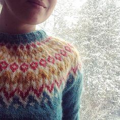 Ravelry: Bookishwhit's Riddari sweater