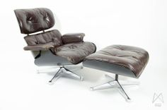 Image of Eames Herman Miller Lounge Chair Ottoman Brown Leather Black Veneer Rare Medaillon For Sale