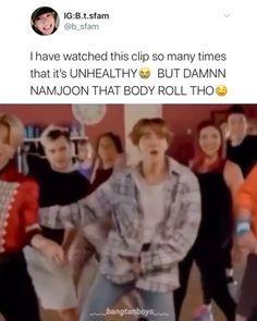 Foto Bts, Bts Photo, Bts Funny Videos, Bts Memes Hilarious, Bts Video, Foto E Video, Bts Taehyung, Bts Jungkook, Kpop Gifs