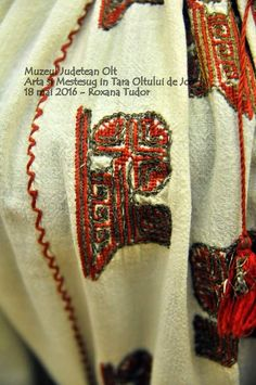 Folk Embroidery, Tudor, Napkin Rings, Blouse, Embroidery, Blouses, Woman Shirt, Napkin Holders, Hoodie