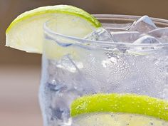 Carbonated vs. regular H20: Is seltzer water just as healthy?