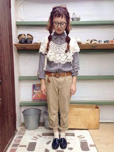 レースつけ襟? niko and...// シャツ UNIQLO// パンツ UNIQLO// 靴下 GU// ローファー 楽天で// リュック 無印良品// Beige Outfit, Mori Fashion, Asian Street Style, Mori Style, Niko And, Hipster, Street Fashion, Pretty, Cute