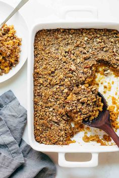 Brown Sugar Topped Sweet Potato Casserole: The streusel-like topping consists of pecans, flour, butter and brown sugar for rich flavor to top of a family favorite. Click through for more of the easiest sweet potato casserole recipes! Thanksgiving Side Dishes, Thanksgiving Recipes, Fall Recipes, Holiday Recipes, Dinner Recipes, Sweet Potato Casserole, Sweet Potato Recipes, Yam Casserole, Crock Pot Recipes