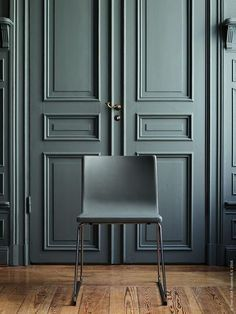 The 5 best interior designers in Berlin: think about renovating your home! It will be your ultimate tool for interior design. Interior Door, Best Interior, Home Interior Colors, Green Interior Design, Interior Trim, Interior Modern, Minimalist Interior, Index Design, Beautiful Living Rooms