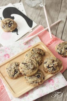 Les cookies trop bons de Philippe Conticini Chefs, Biscotti Biscuits, Cookies Et Biscuits, Desserts With Biscuits, Cookie Desserts, Kitchen Aid Recipes, Sweets Recipes, Let Them Eat Cake, Chocolate Chip Cookies