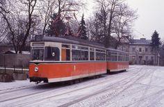 218 013 mit Beiwagen 268 058 an der Endstelle Alt Schmöckwitz der Linie 68, 19.02.1994.