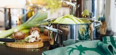 320285 The Holiday-Ready Kitchen: Rachael Ray & More