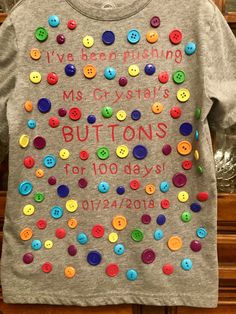 day of school<br> 100th Day Of School Crafts, 100 Day Of School Project, First Day Of School, School Fun, School Days, School Projects, School Stuff, 100 Days Of School Project Kindergartens, 100 Day Shirt Ideas