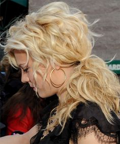 Kimberly Perry - Casual Half Up Long Curly Hairstyle - side view