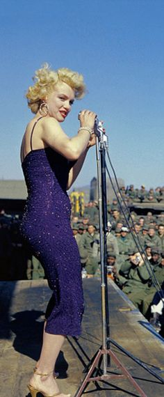 Marilyn in Korea, 1954