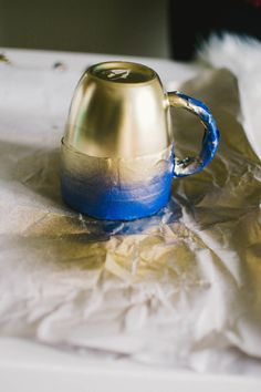 Cozy DIY Christmas Gifts Featuring Gold Mugs | Sprinkle of Glam | @zkapambwe Photography