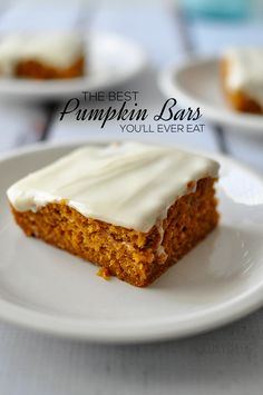 The best pumpkin bars you'll ever eat. With cream cheese frosting. A… The best pumpkin bars you'll ever eat. With cream cheese frosting. Add this to your other pumpkin recipes! Mini Desserts, Cookie Desserts, Just Desserts, Delicious Desserts, Dessert Recipes, Dessert Healthy, Bar Recipes, Recipies, Oreo Dessert
