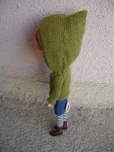 Blythe Hoodie Knitting Pattern, Free.