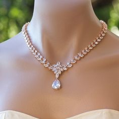 Rose Gold Crystal Necklace, Bridal Necklace, Rose Gold Bridal Jewelry, Crystal Wedding Necklace, COLETTE TD - List of the best jewelry Rose Gold Bridal Jewelry, Diamond Jewelry, Wedding Jewelry, Diamond Pendant, Diamond Rings, Bridal Necklace, Crystal Necklace, Gold Necklaces, Garnet Necklace