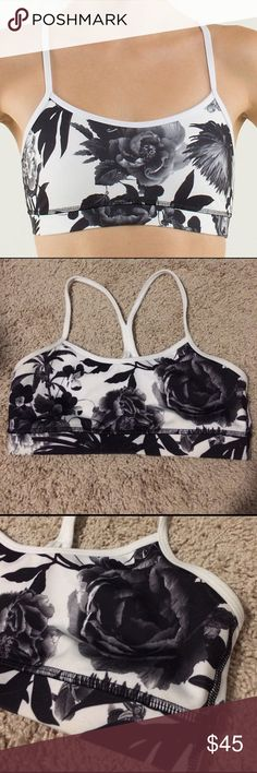 🎀 Lululemon Flow Y Bra IV Gorgeous print, the Brisk Bloom Black/White and in excellent condition. Very slight, not very noticeable piling on the straps. No pads. lululemon athletica Intimates & Sleepwear Bras