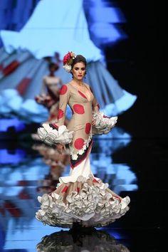 Glamour, Fancy, Formal Dresses, Flamenco Dresses, Fashion, Pageant Headshots, Victorian Dresses, Polka Dots, Walkway