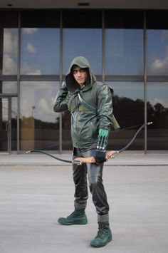 Green Arrow from Arrow TV show, cosplay by Wickley