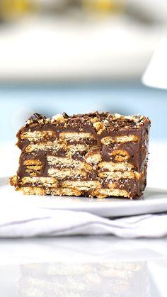 Confira a receita de Bolo Torta Palha Italiana Cheesecake Recipes, Cookie Recipes, Dessert Recipes, Good Food, Yummy Food, Chocolate Recipes, Easy Desserts, Sweet Recipes, Food Cakes