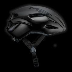 Chris Snook gives his verdict on MET's latest helmet innovation, the MANTA, a new, impressive, closed aero design for the road. Cycling Helmet, Bike Helmets, Moto Bike, Racing Bike, Green Mountain Coffee, Character And Setting, Bike Wear, Helmet Design, Bike Parts