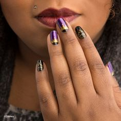 These Wickedly Cool Disney Jamberry Nail Wraps Are Perfect for Halloween and Any Season.   Evil Queen + Snow White nail art   [ http://di.sn/60008DmN0 ]