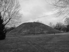 The Nephilim Chronicles: Fallen Angels in the Ohio Valley: Smithsonian Reports 7 1/2 Foot Giant in a South Charleston, West Virginia Burial Mound