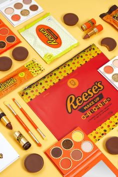 HipDot Released a Reese's Makeup Collection Chocolate Eyeshadow Palette, Chocolate Palette, Branding And Packaging, Packaging Design, Chocolate Cups, Chocolate Lovers, Recipe Icon, Candy Companies, Reeses Peanut Butter