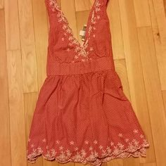 🔥LOWEST PRICE🔥Forever 21 tank! Tie and zipper in back. Size medium Forever 21 Tops Tank Tops