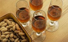 Spanish sherry wines are one of the world's best-kept wine secrets. These are the most common types of Spanish sherry and what foods they pair with. Cocktails, Cocktail Drinks, Alcoholic Drinks, Beverages, Wine Party Appetizers, Sherry Wine, Artisan Cheese, Wine Wednesday, Savory Snacks