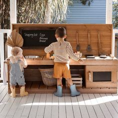 Mud Kitchens, Benches and Workbenches Outdoor Play Kitchen, Mud Kitchen For Kids, Kids Outdoor Play, Outdoor Play Spaces, Kids Play Area, Backyard For Kids, Outdoor Fun, Diy Mud Kitchen, Play Areas